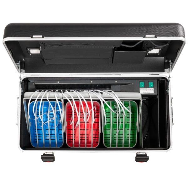 valise équipée de 3 paniers pour tablettes